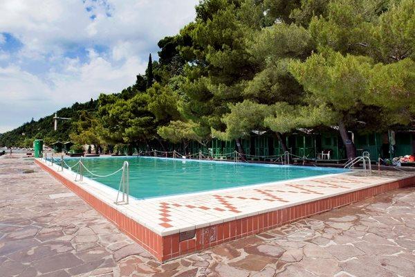 Sirena bathing facility - Bagno lanterna trieste ...
